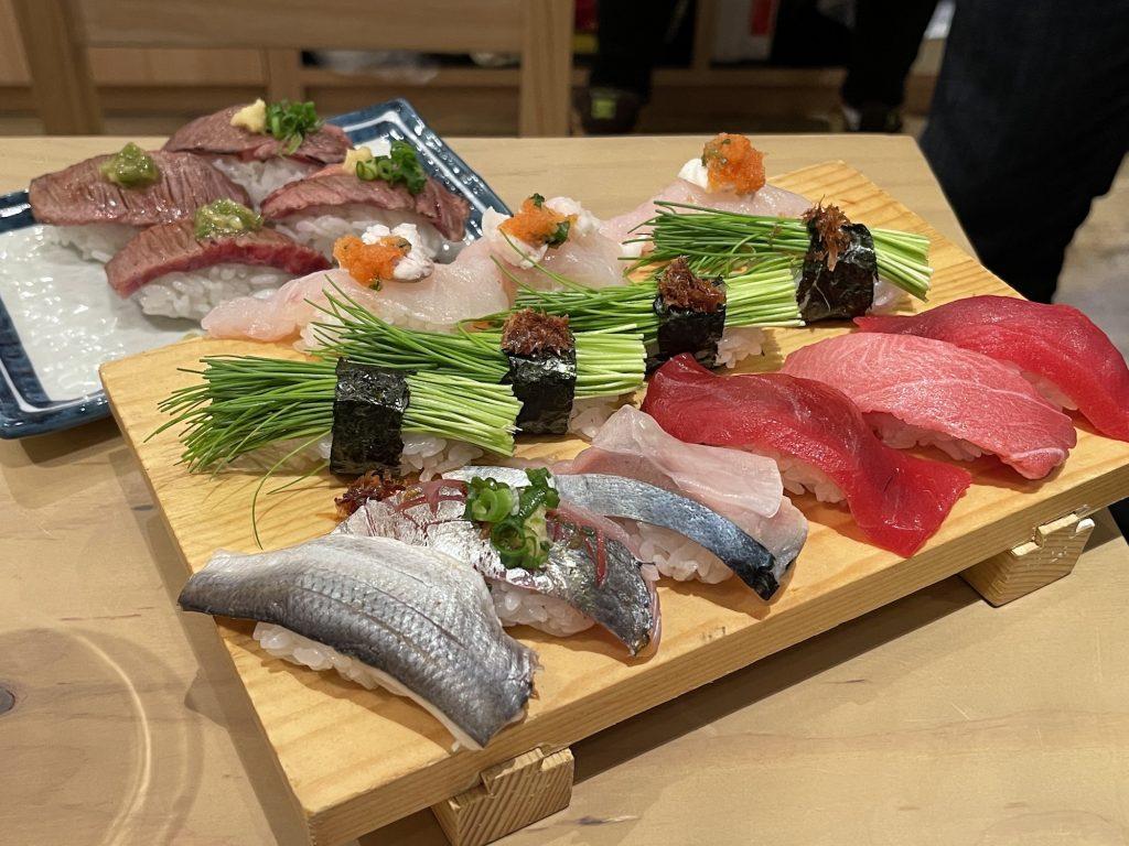 30種以上の寿司をそろえる