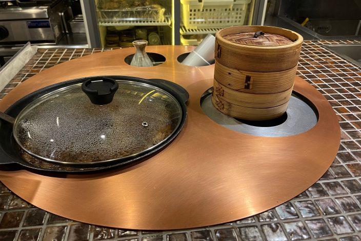 ▲小規模店であればこういった蒸し器付きの設備を設置することも。
